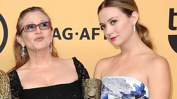 Look at this adorable mother and daughter.