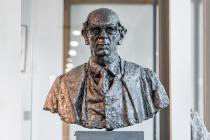 Isaiah Berlin Bust Wolfson College