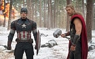 Captain America (Chris Evans) and Thor (Chris Hemsworth) in Avengers: Age of Ultron