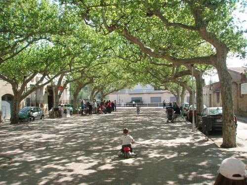 La plaça de Sant Climent Sescebes