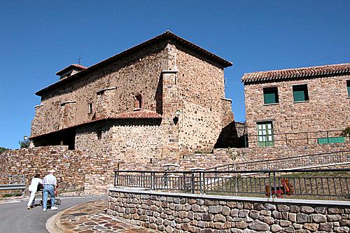 SAN ANDRES (Lumbreras-Camero Nuevo). La Rioja. 2004. 05. Iglesia parroquial.