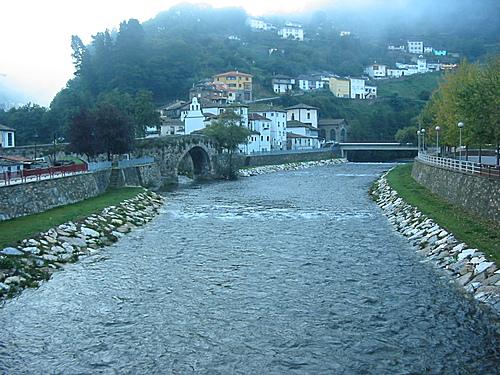 Río Narcea a su paso por Cangas de Narcea