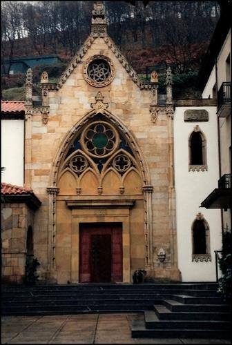 Capilla Casa Cimavilla (Asilo). Ciaño.