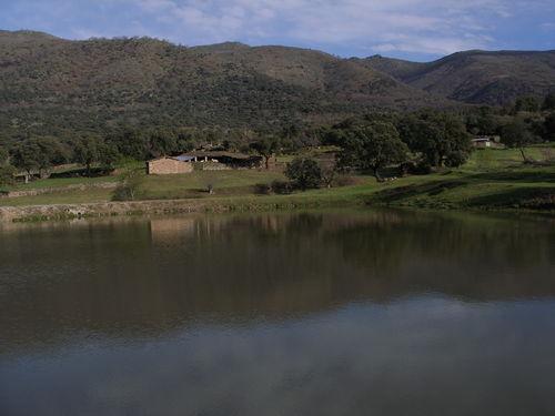 Vista de la Sierra desde la Laguna de La Carretera