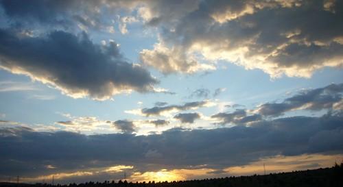 cielo de verano en Formiche