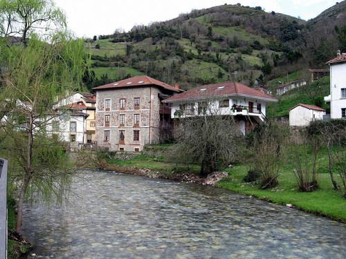 Rio Pigüeña, Belmonte de Miranda, Asturias, España