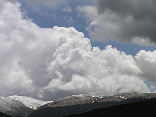 els núvols creixen al Puigmal