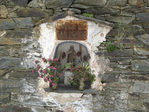 Wall altar. El Serrat
