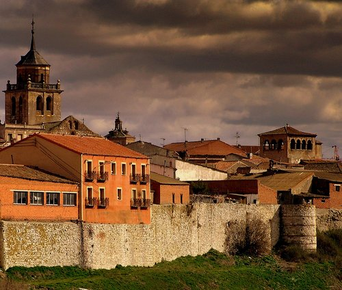 Arevalo medieval walls