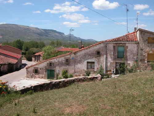HACINAS (Burgos). 2005. 03. Arquitectura rural.