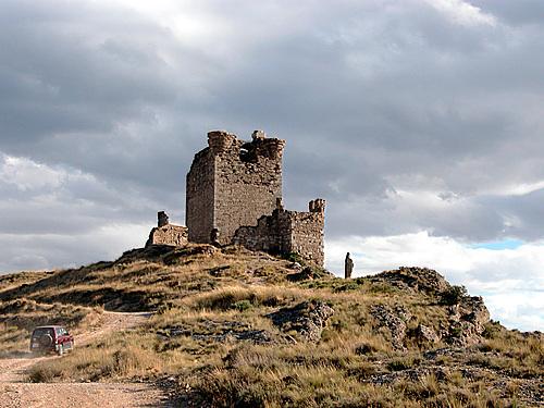QUEL (La Rioja). Valle del río Cidacos. 2004. 04. Castillo (ruinas).