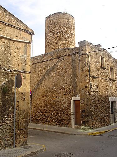Sa Pobla ( casa amb molí/ house with a mill )