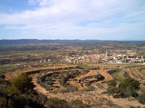 La Codoñera y al fondo Torrevelilla.