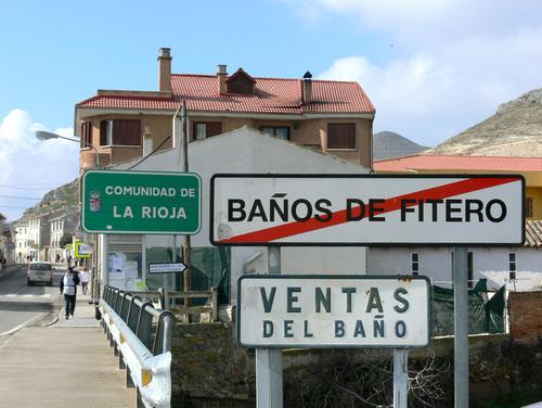 VENTAS DEL BAÑO (Cervera del Río Alhama). Este puente separa La Rioja de Navarra.