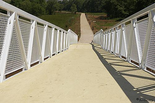 Puente del paseo del rio