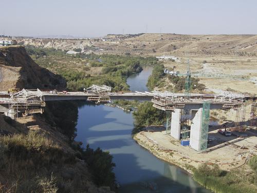 Puente sobre el Cinca