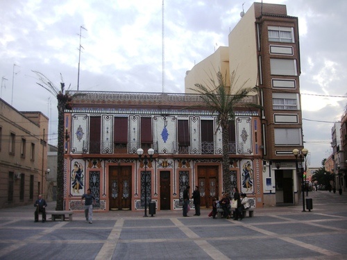Almassera, Plaza Major