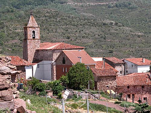 ALMARZA DE CAMEROS (La Rioja). 2005. 05. Iglesia de Nª Sª del Campillo (sXVI-XVII).
