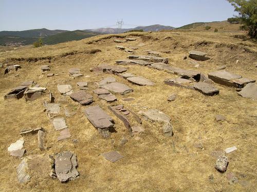 Camesa-Rebolledo: Necrópolis Medieval