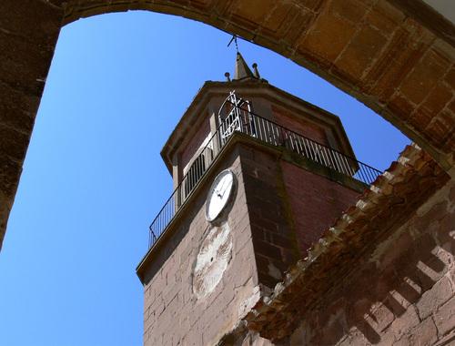 SOTÉS. Entre el Najerilla y el Iregua. Iglesia de San Martín (sXVII).