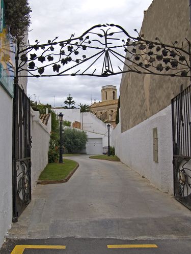 Nice access, by Julio M. Merino