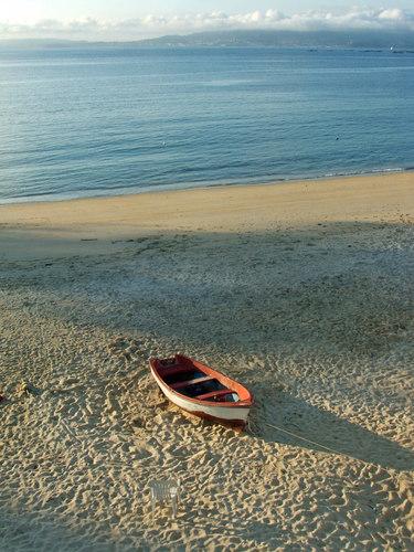 Barca.. en playa de Loureiro   (Bueu)