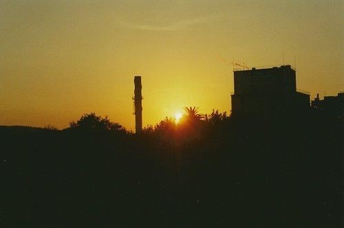 Ocaso en Torrelavega, desde la carretera