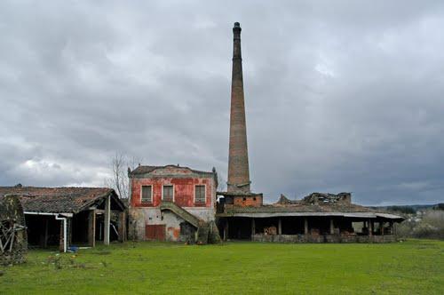 Casa e cheminea da cerámica