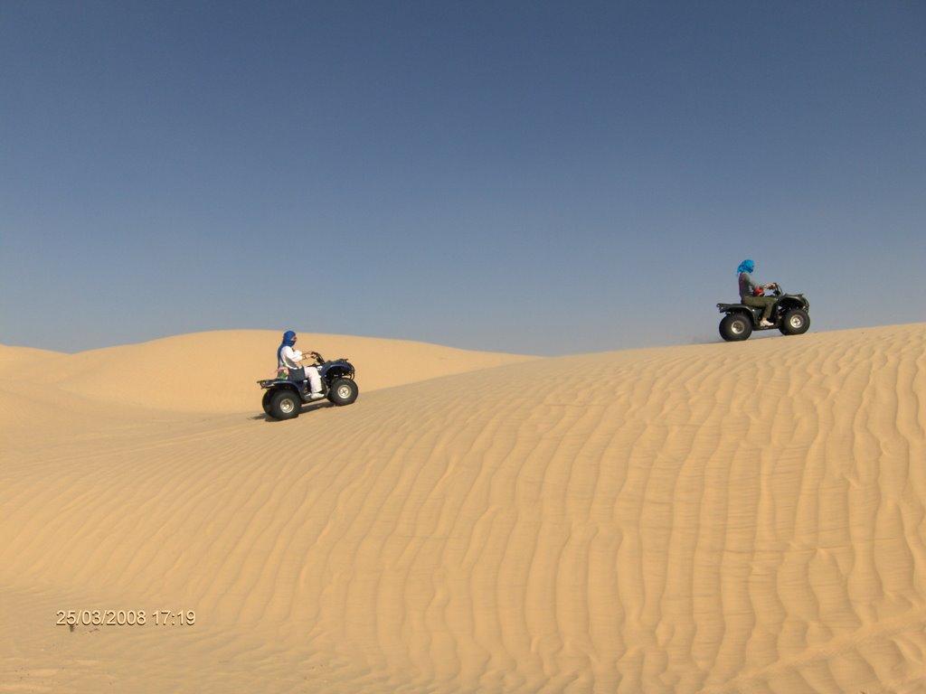 En quad por el Sahara_Douz_Túnez