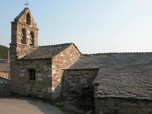 CAMINO DE SANTIAGO (2005). PADORNELO (Lugo). Iglesia de San Juan.
