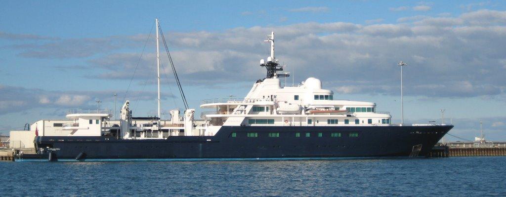 Le Grand Bleu at the Port in Nov 2008