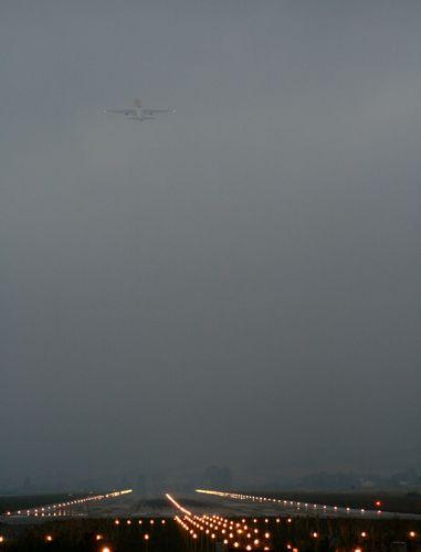 Boeing 757-23APF TF-FID de TNT despegando de Foronda - ASIER IBAÑEZ