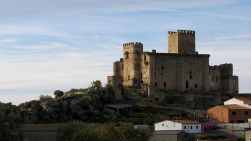 Castillo de Belvis de Monroy