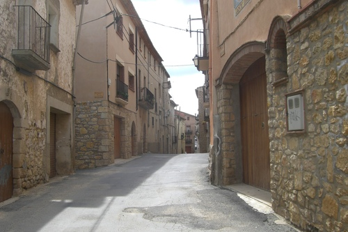 De Hoofdstraat van Villanova-de-Prades (Trudi)