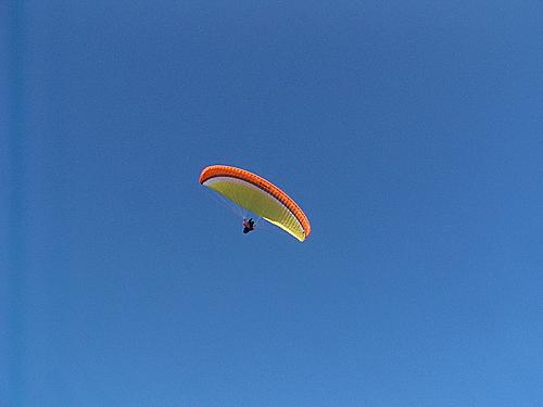 2006-10-20 jose  volando en parapente en Ager