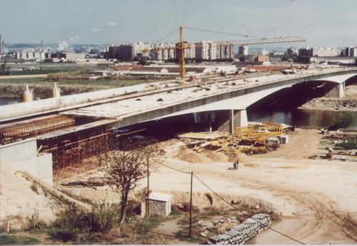Puente de Molíns de Rei, en construcción.