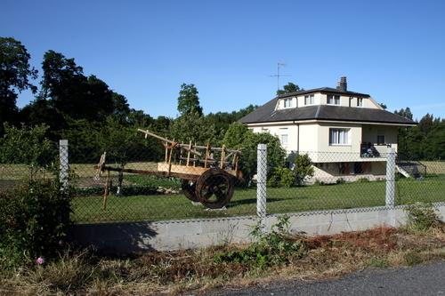 Casa con carro artesanal