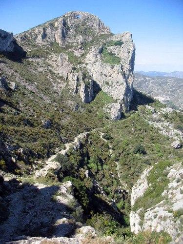 2006_03_25 vista peña de la Foradà desde sendero_Vall de Gallinera