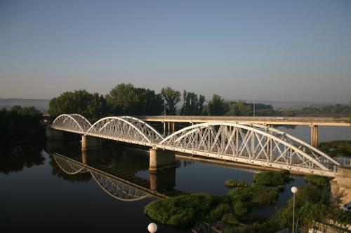 Puente sobre el rio Alagón