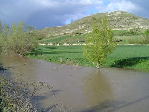 Bodegas de Isar, río Hormazuela y cuesta de la Cruz