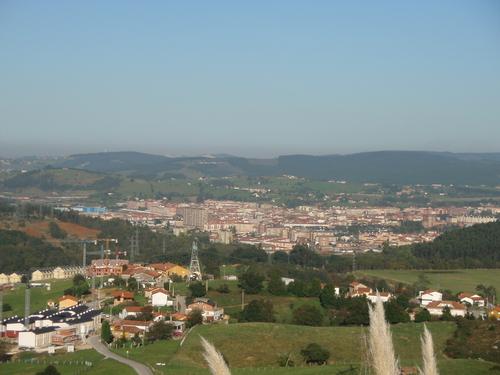 Vista de Torrelavega desde el Parque Empresarial Besaya
