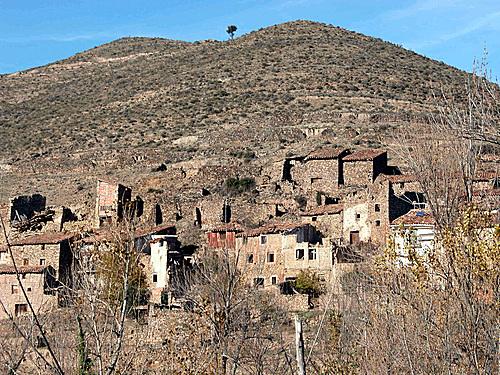 AMBAS AGUAS ó ENTRAMBAS AGUAS (Muro de Aguas). 2004. 06. Arquitectura rural.