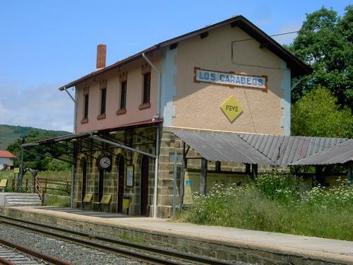 """Arroyal: Estacion de FEVE """"Los Carabeos"""" Linea Bilbao-La Robla"""