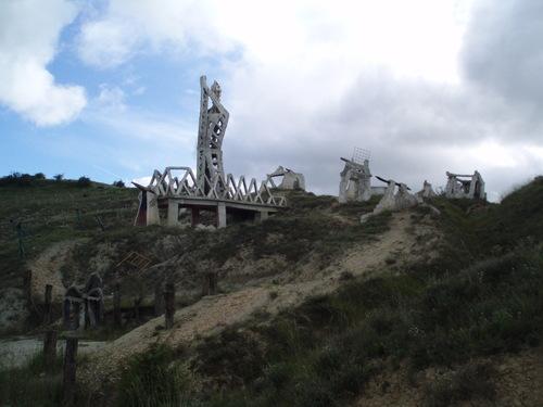 Vista general, Esculturas en Salinas, Pamplona. Navarra