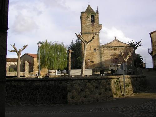 Iglesia desde plaza del Palacio