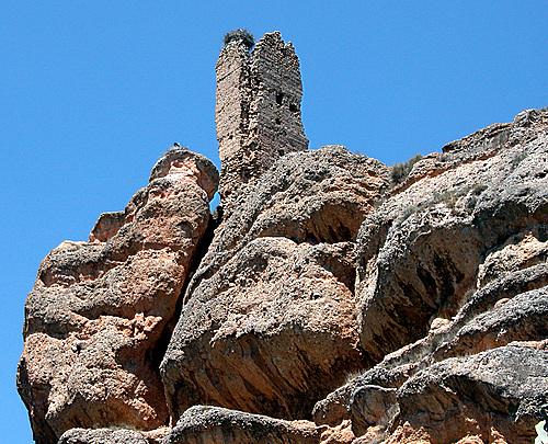 AUTOL (Valle del Cidacos-La Rioja). 2005.  07. Ruinas del Castillo.