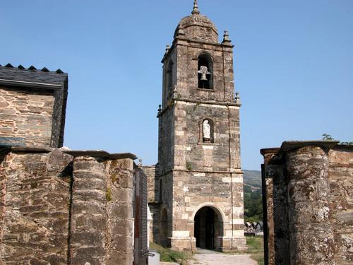 CAMINO DE SANTIAGO (2005). TRIACASTELA (Lugo). Iglesia de Santiago (sXII-XVIII).