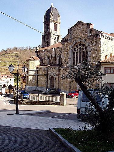 Iglesia de San Antonio, Infiesto, Piloña, Asturias