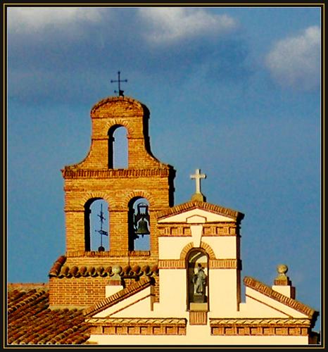 Belfry and cross / Harangtorony és kereszt  -  Historic Precinct of Alcalá de Henares