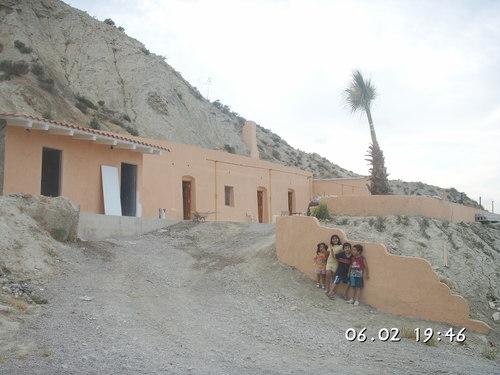 Cuevas en la carretera de Cuevas a Vera,  Los Silos